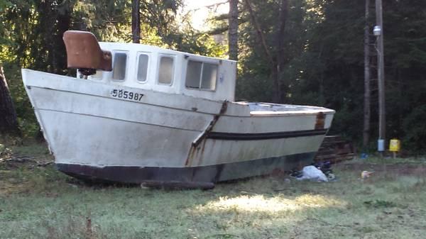 Free 25 foot boat Bandon