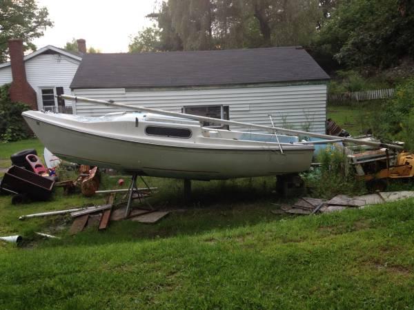 Sailboat - $500 (West Gardiner)
