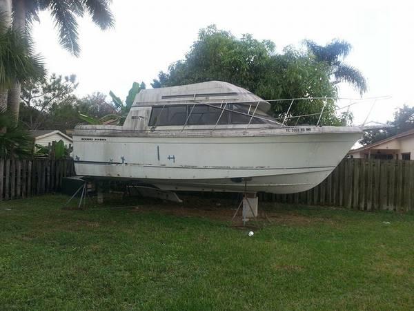 1986 28 foot boat