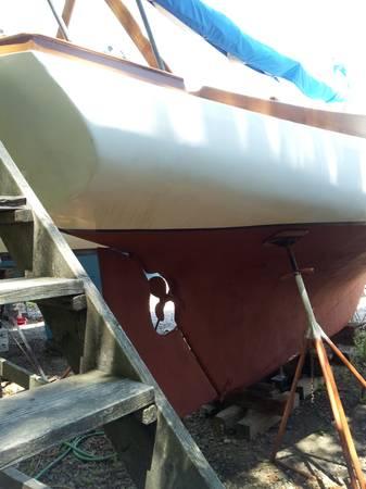 SAILBOAT 32' Crockett Cutter stern
