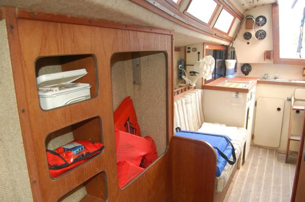 28 foot project sailboat cabin2