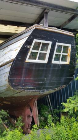 ROSSBURGH 46 PRIVATEER SAILBOAT stern