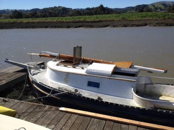 gaff-rigged sloop
