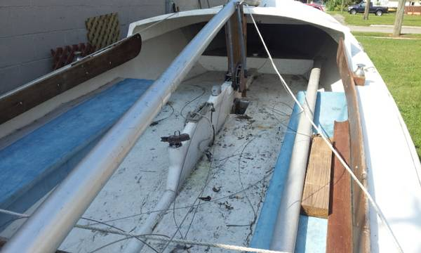 Free hull in good condition Marine City