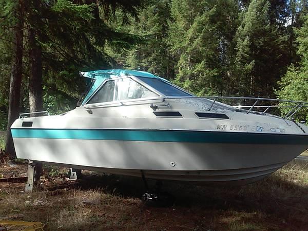 Free 21ft reniall cabin cruiser boat no trailer