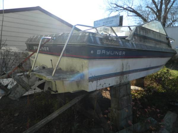 1986 bayliner stern
