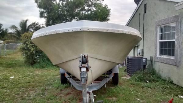 free 19 foot hull
