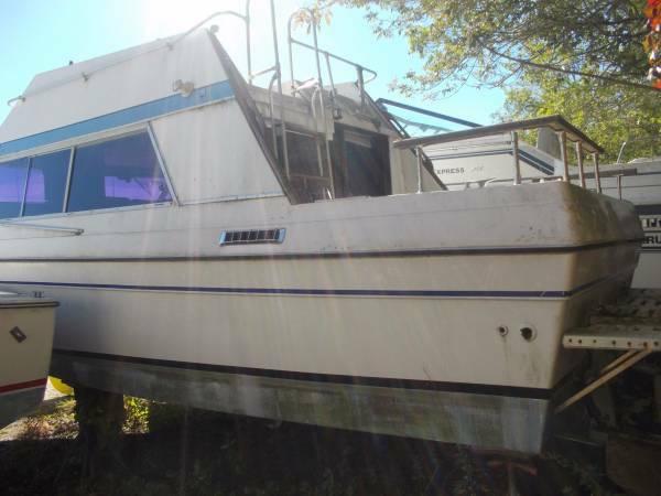 Helping Hands Of America >> 1977 Bayliner Cabin Cruiser 27 Free Wrentham Ma Free Boat Com