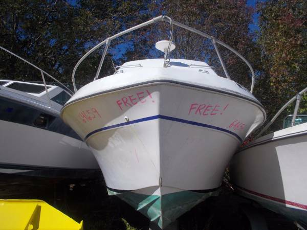 Helping Hands Of America >> 1977 Bayliner Cabin Cruiser 27 Free Wrentham Ma Free Boat Com