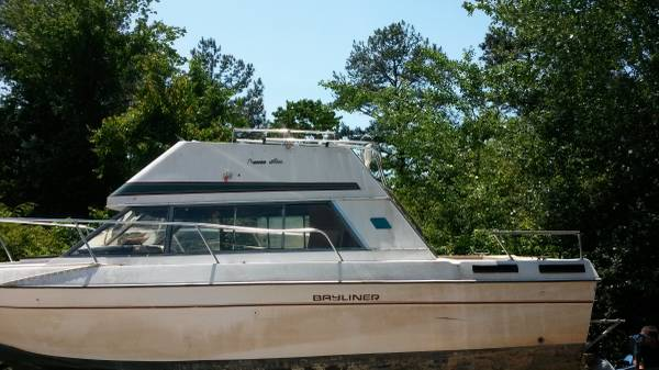 Bayliner 2855 Command Bridge