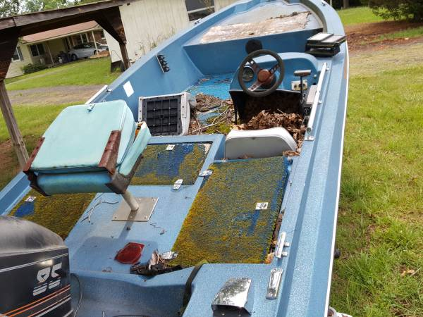 1985 craft boat on trailer.