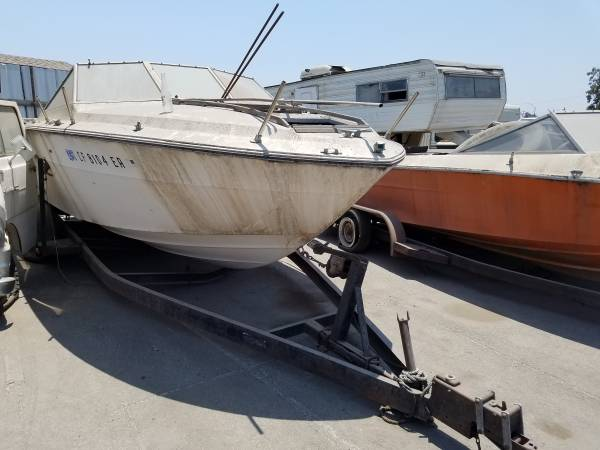 Free white boat with good hardware