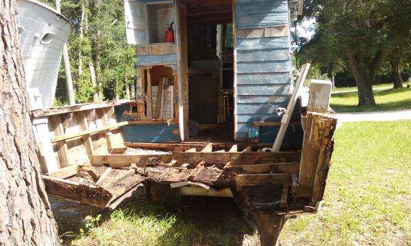 Free house boat repairs needed