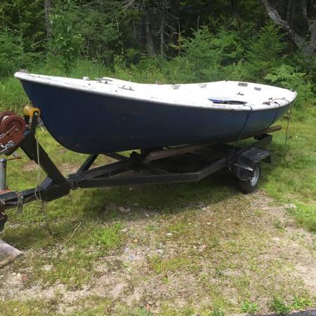 13 foot sailboat