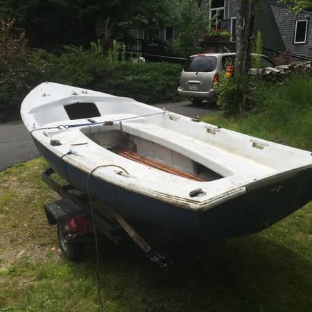 13' sloop. Chrysler LS 13