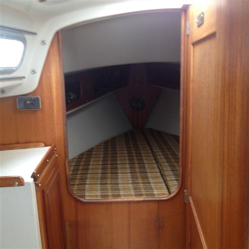 1972 Ericson 27 Sailboat below deck