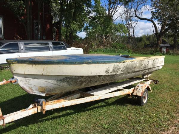 free fiberglass boat El-Rae