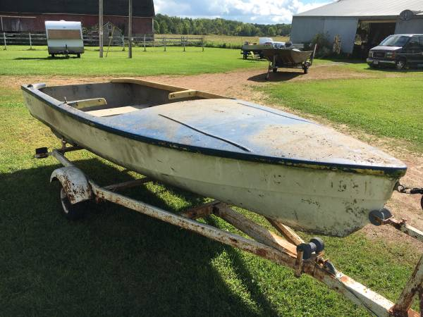 late 1950's or early 1960's boat for free
