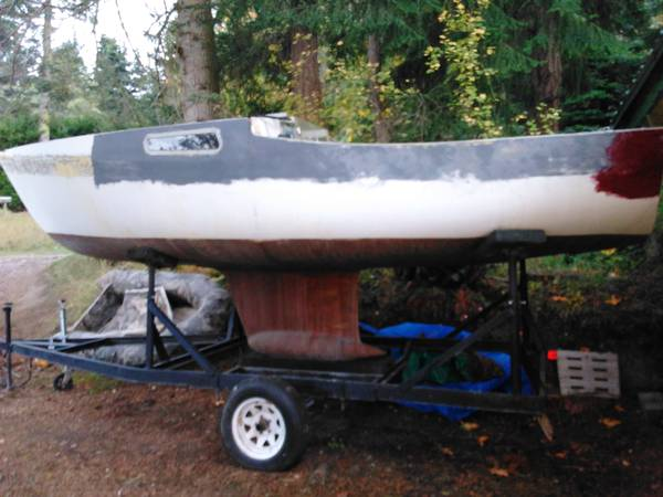 Cal 20 on trailer project boat