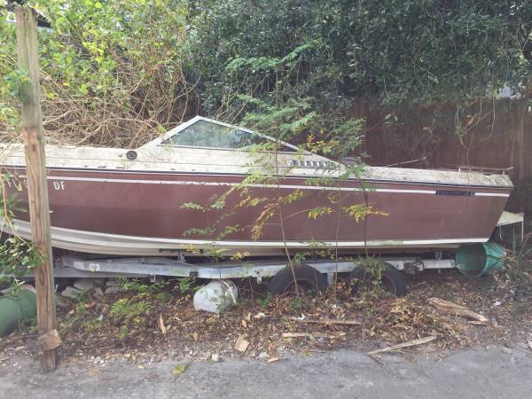 powerboat bow rider with motor and trailer