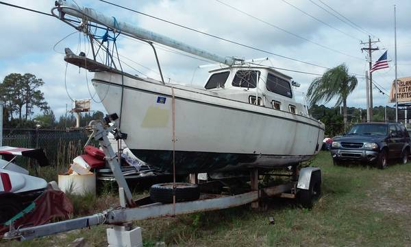 23 XNT with mast and rigging
