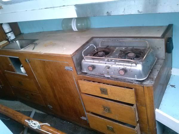 1965 Cascade 29. interior counter