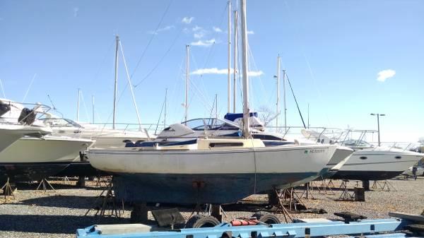 Sailmaster 22 sailboat