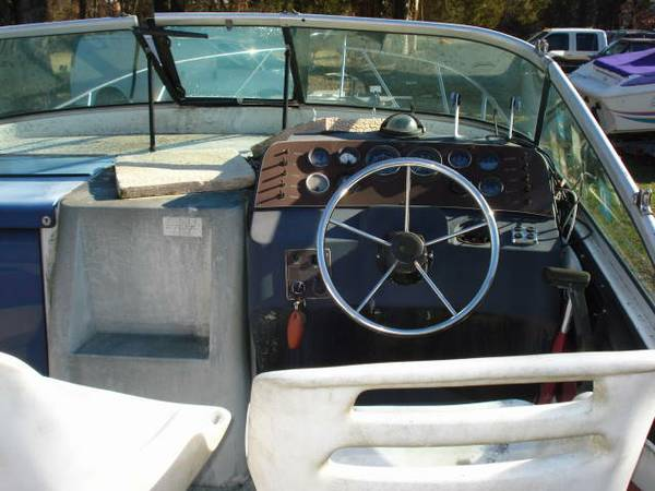 1987 265 WELLCRAFT ANTIGUA MID CABIN EXPRESS