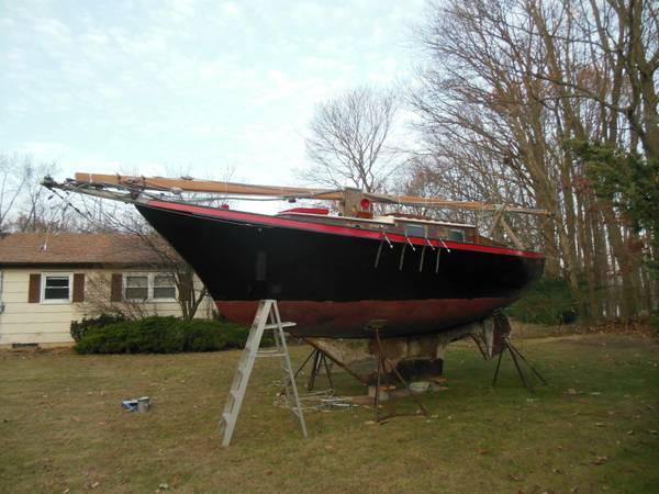 Classic 32' 1970's sloop port