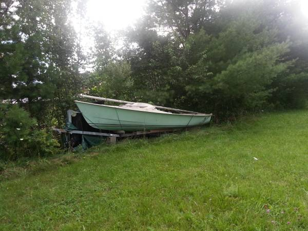Paceship P17 Sailboat and trailer