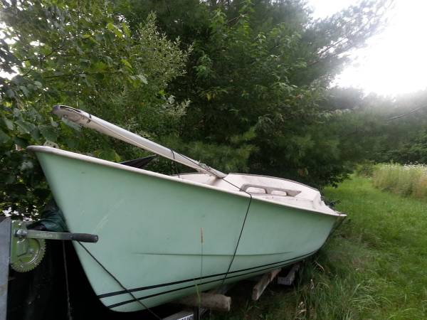 Paceship P17 Sailboat and trailer side view