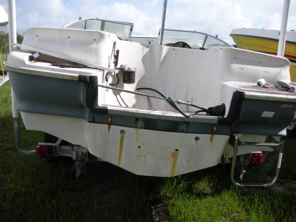 18 ft Glastron stern