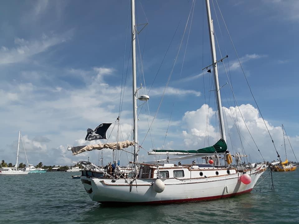 41 island trader stern view