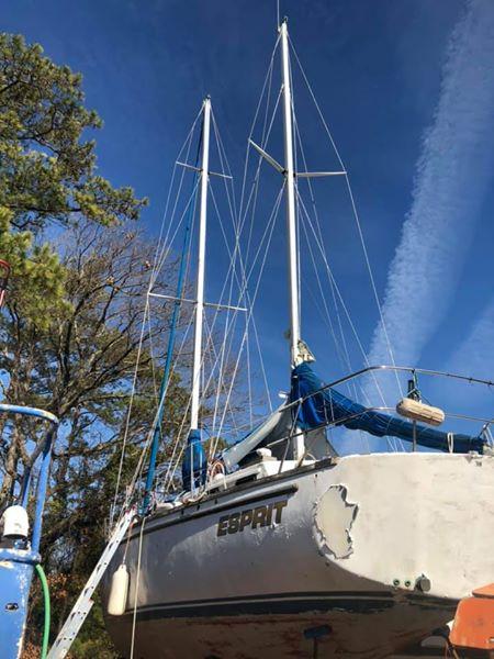 44' Bruce Roberts Mauritius sailboat tall rigging