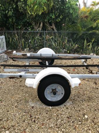 Boat trailer for free from side