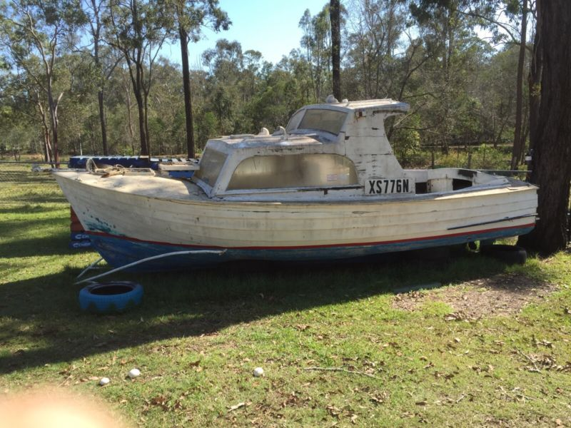 20ft Kestrel Boat FREE