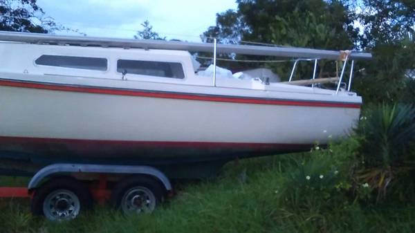 make offer sailboat with trailer