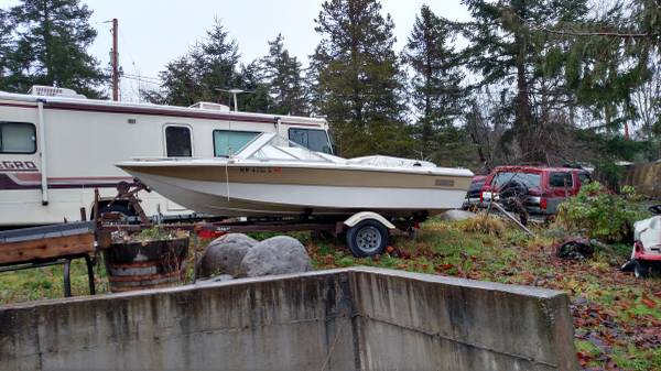 17' runabout, clean title.