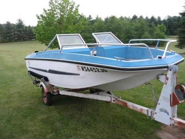 Solid 15' GLASTRON Family Pleasure Boat