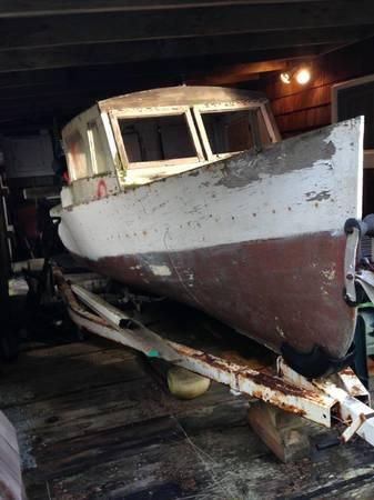 22-foot double ender flat bottom river boat