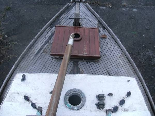 wood sailboat foredeck