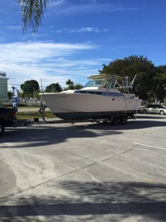 28 ft free chriscraft sportcruiser