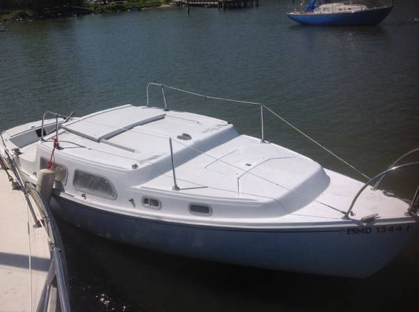 25 foot Coronado sailboat hull