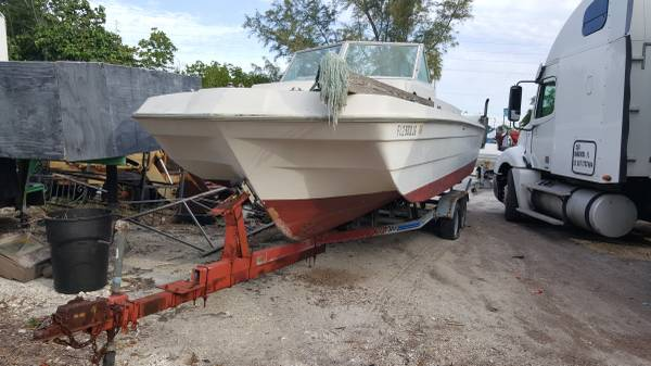 Free hull float away in South Florida