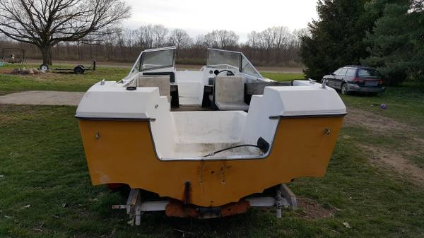 Free powerboat hull transom