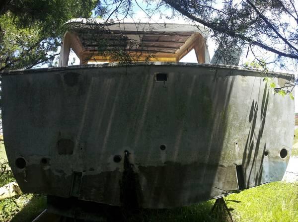 Hatteras 34 hull stern