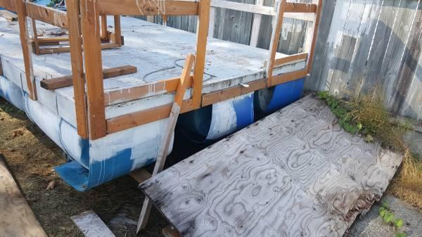 Plastic barrel pontoon boat