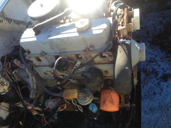 Engine needs rebuild 19 foot boat hull