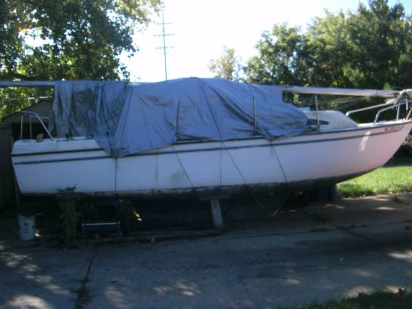 28 ft sailboat