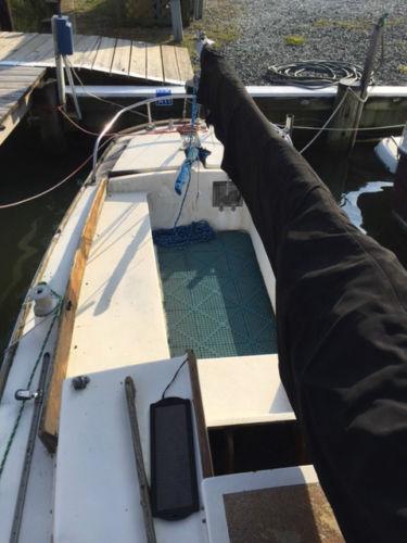 Kittiwake 24 foor sailboat